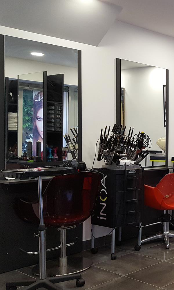 Salon de coiffure afro juvisy coiffures la mode de la for Salon de la coiffure 2017